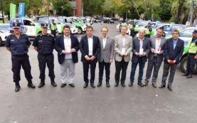 Ritondo entregó móviles policiales a intendentes del Conurbano