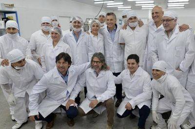 Mauricio Macri visitó una fábrica de helados en Malvinas Argentinas