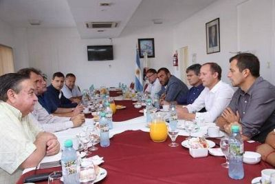 El Grupo Esmeralda, con dirigentes sindicales