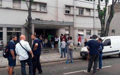 ATSA realizó una protesta frente al Policlínico de Lomas