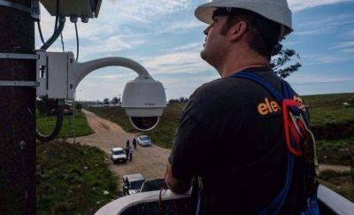 Arroyo instaló una cámara para impedir que vuelva a generarse un basural en El Martillo