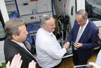 La Provincia entregó una de las cuatro ambulancias que necesita el Sistema de Salud Pública