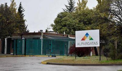 Crisis textil: Alpargatas adelantó vacaciones a todo el personal en Catamarca