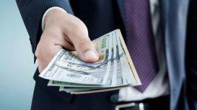 El dólar cerró a $15,63, el nivel más bajo desde noviembre pasado