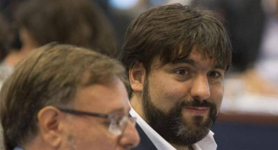 Bossio presentó proyecto para impedir aumento de tarifas por encima de los salarios