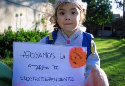 Legisladores del FPV-ṔJ presentaron un proyecto para proteger a los electrodependientes