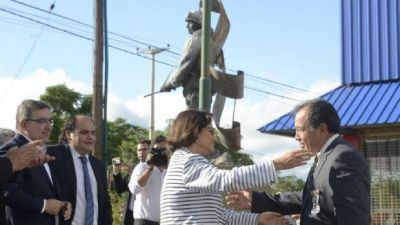 Corpacci, en el homenaje a los héroes de Malvinas