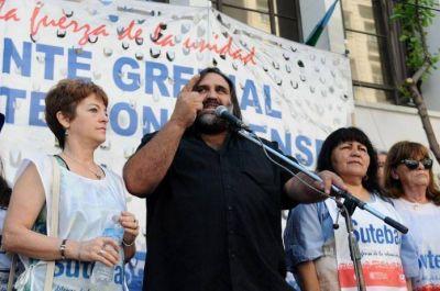 Los seis gremios docentes bonaerenses le piden por carta una audiencia urgente a Vidal