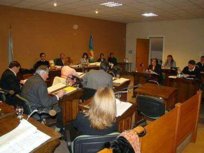 Adelanto: El Concejo convalidó en la madrugada el aumento solicitado por Aguas de Balcarce