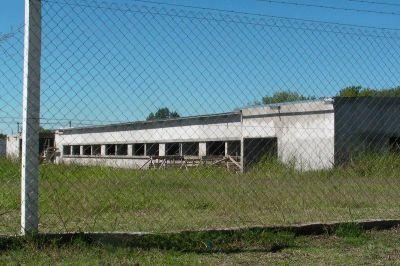 Por una deuda de 600.000 pesos pararon las obras de la Escuela Técnica N° 2
