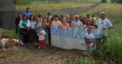 Vecinos tratan de impedir obras de una planta cloacal