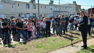 El intendente entregó 30 casas al sindicato de trabajadores de la industria