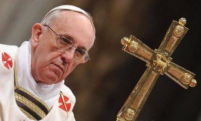 """""""La Cruz no es solo un distintivo, va sobre los hombros donde hace daño"""""""