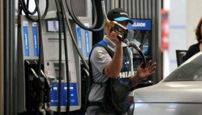 Hay diferencias de hasta el 11% en el precio de la nafta en Córdoba