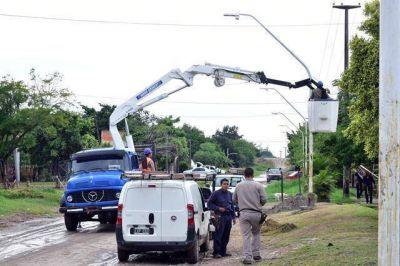 Reparación y mantenimiento del alumbrado público en distintos puntos de la ciudad