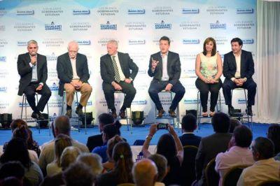 Massa y Lavagna presentaron la Escuela de Gobierno en San Nicolás