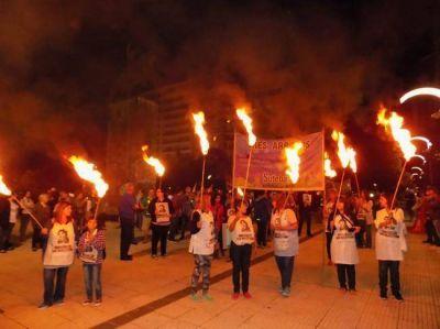 Con una marcha de antorchas, recordaron el crimen de Carlos Fuentealba