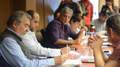 Oca confirmó que se cerraron las paritarias con los auxiliares de la educación del Chubut