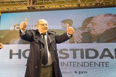 """Arrancó la campaña, Fiorini le pega a Arroyo, y un descubierto de """"más de 100 palos"""""""
