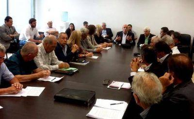 Fuerte respaldo de Profesionales a la división de Caaitba