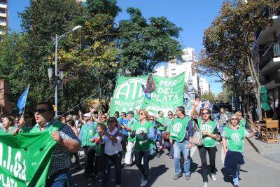 El pueblo trabajador salió a las calles y le reclamó cambios al Gobierno Nacional