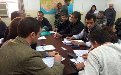 La comisión de Transporte se reúne para tratar la suspensión del aumento de boleto