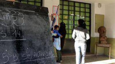 Crece la puja con los docentes por el descuento en los sueldos