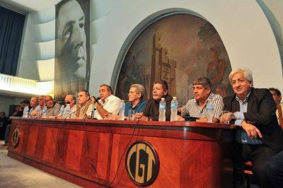 Tras el paro, el Gobierno endurece su ataque contra el sindicalismo