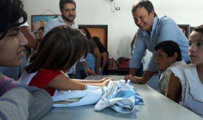 Cascallares recorrió obras municipales en la Escuela 503 de Glew