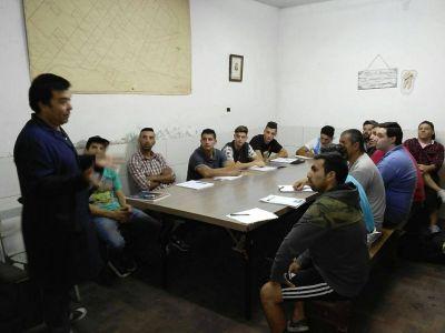 [#SalidaLaboral] Las Sociedades de Fomento y SMATA lanzaron un curso de Mecánica en los barrios