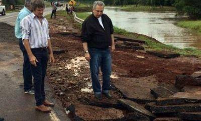 Passalacqua recorrió zonas afectadas por las lluvias y caminos dañados