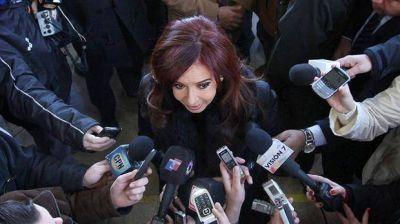 Con críticas al Gobierno, Cristina Kirchner y dirigentes del FpV salieron a apoyar a los gremialistas docentes