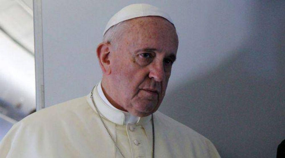 Papa Francisco expresa su dolor por atentados del ISIS en Egipto