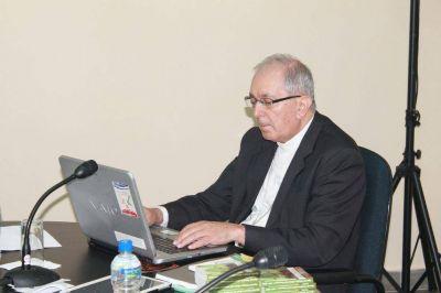 """Arzobispo de Asunción pide que medios de comunicación """"promuevan el diálogo"""""""