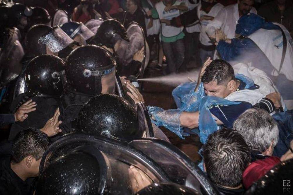 Paro docente en San Luis en repudio a la represión