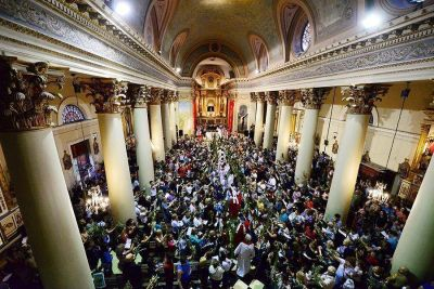 San Fernando acompañó la Misa de Ramos en la Parroquia Aránzazu