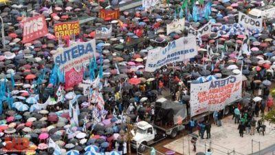 Ctera anunció un paro de 24 horas por el desalojo de docentes en el Congreso