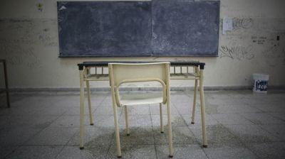 Tras el desalojo policial, los gremios docentes encabezan un nuevo paro nacional