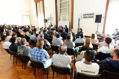 """Inundaciones: Fernández dijo que la situación regional """"es grave"""" y que """"está defendiendo los intereses de Trenque Lauquen"""""""