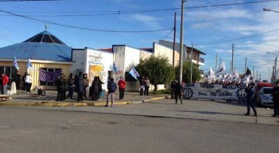 Sutef llevó adelante una manifestación y una radio abierta