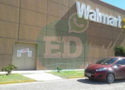 El Municipio de San Luis clausuró Walmart