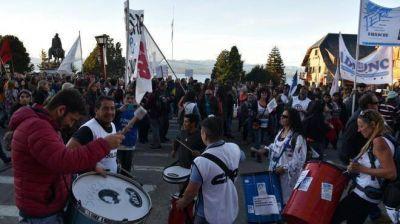 Docentes: paro y marchas en la región en una jornada de repudio