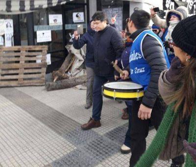 Trabajadores insultaron a Carlos Zannini