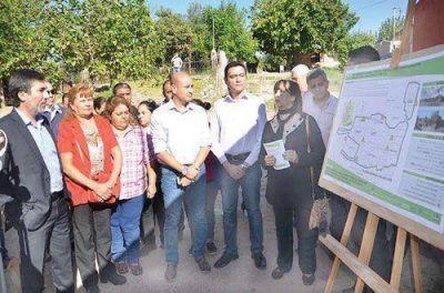 Gobierno inicia obra de red eléctrica para siete barrios
