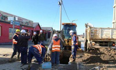 Obras sanitarias realiza trabajos de reparación en la red de agua potable