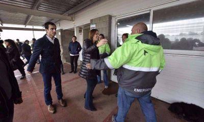Vidal se libera del conflicto docente y se instala en la calle para juntar votos