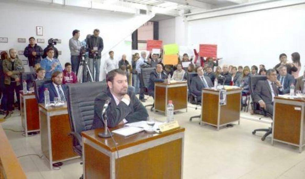 Concejales sesionaron más de nueve horas donde aprobaron que Kirchner los convoque a un comité de crisis