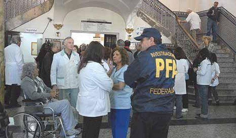 Oyarbide va por Zanola, tras allanar el Policlínico