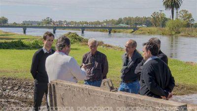 """Petrecca: """"Estamos trabajando para que el agua no afecte al casco urbano"""""""