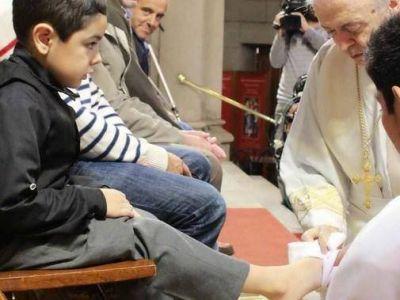 El Obispo realizó el lavatorio de pies en la misa del Jueves Santo